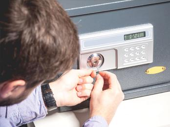 Safe Locksmith - Digital Safe